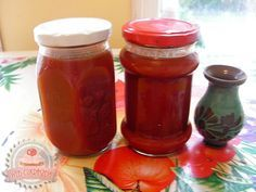 Csipkebogyó lekvár Jelly, Clean Eating, Food And Drink, Jar, Stuffed Peppers, Canning, Syrup, Eat Healthy, Marmalade