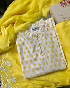 No photo description available. Sleeves Designs For Dresses, Neck Designs For Suits, Dress Neck Designs, Sleeve Designs, Blouse Designs, Salwar Neck Designs, Kurta Neck Design, Kurta Designs Women, Stylish Dresses For Girls