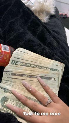 Money On My Mind, Make Money Today, Red Ink Tattoos, Luxury Lifestyle Fashion, Cute Birthday Gift, Money Stacks, Baddie Tips, Make It Rain, Green Paper