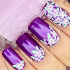 Medium-purple nails with floral nail art & all-flower accent nail. Great Nails, Fabulous Nails, Gorgeous Nails, Cute Nails, Nail Art Designs, Nail Designs Spring, Nail Polish Designs, Nails Design, Nail Art Vintage