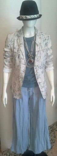 #mazzinidonnalugo #high #jacket #pants #necklace #dolores&simonettabijoux