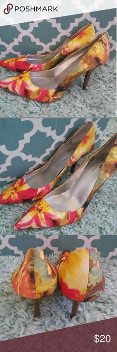 "Worthington ladies size 8 pink yellow floral heels Worthington ladies size 8 pink yellow floral pointy toe heels shoes. Heel height 3.5"". Worthington Shoes Heels"