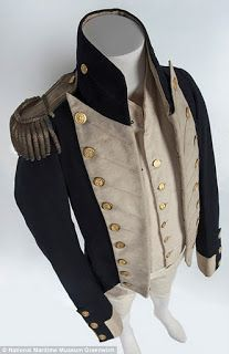 Rare Naval Lieutenant's Uniform found in an attic, dating from around 1812