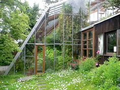 Greenhouse room, connected to the house. This is better idea then our current greenhouse Greenhouse Kits For Sale, Greenhouse Supplies, Greenhouse Plans, Greenhouse Gardening, Greenhouse House, Greenhouse Attached To House, Winter Greenhouse, Underground Greenhouse, Interior Tropical