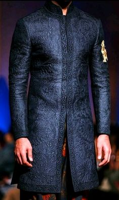 Classy Sherwani Sherwani For Men Wedding, Wedding Dresses Men Indian, Sherwani Groom, Wedding Dress Men, Mens Sherwani, Wedding Suits, Nigerian Men Fashion, Indian Men Fashion, Mens Fashion Suits