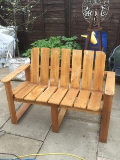 Hand-painted Pallet #Bench Ideas | 101 Pallet Ideas