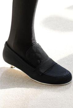 Scarpe Chanel Inverno 2017: è la Stagione del Flat scarpe Chanel inverno 2017 collezione