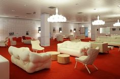 Salone del Mobile di Milano, red lounge