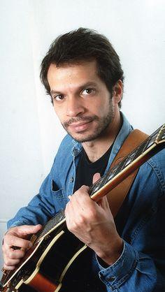 Dia 30 de Outubro, às 21h, ocorrerá uma apresentação do instrumentista Djalma Lima no Boutique Vintage Brechó e Bar.