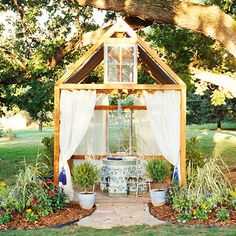 Build this backyard structure - the perfect backyard hideaway!