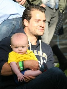 Henry Cavill Goes For Scruff Instead Of A Beard At The Groove Music Festival