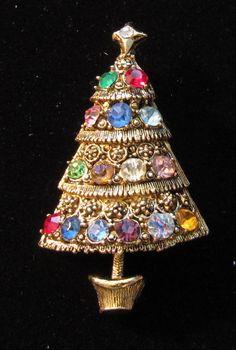 379 Best Vintage Christmas Pins Images