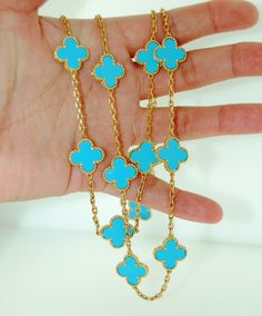 1stdibs | VAN CLEEF & ARPELS GOLD Turquoise 20 Motif Alhambra Necklace