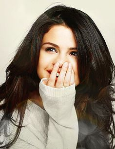 The largest Selena Gomez picture gallery online. Selena Gomez Fashion, Selena Gomez Fotos, Selena Gomez Outfits, Selena Gomez Photoshoot, Selena Gomez Cute, Estilo Selena Gomez, Selena Gomez Pictures, Selena Gomez Style, Selena Pics