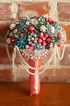 Cascading Brooch Bouquet by Blue Petyl :)  #wedding #broochbouquet #bridal
