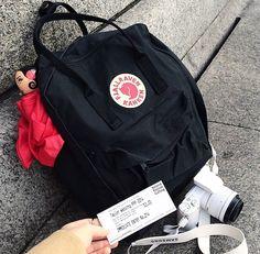 กระเป๋า Fjallraven Kanken Classic สี ดำ Black สั่งได้ที่ http://www.kankenthailand.com
