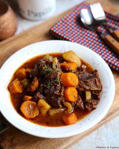 Joues de boeuf façon bourguignon aux carottes et vin rouge
