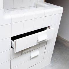 dtile pull handle tiles in an amsterdam bathroom