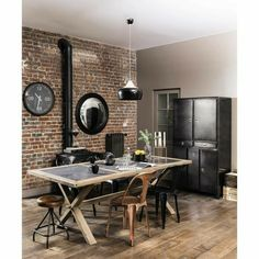#industrialstyle #stileindistriale #industrialideas #arredamentoindustriale Industrial Style, Conference Room, Furniture, Design, Home Decor, Table And Chairs, Dining Table, Modern Table, Decoration Home