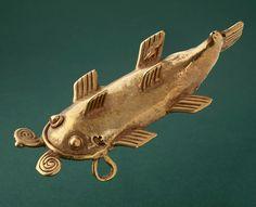 Panama - Veraguas catfish pendant ~ Cast gold | 900 - 1550 AD