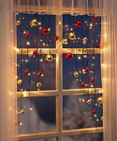 LED-Lichterkette-Christmas-Lichtervorhang-Weihnachtsdeko-70-Led-s-Kugeln-130cm