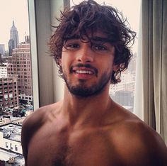 marlon teixeira , brazilian model and sexy dude . looks like he's in New York City Best Hairstyles For Older Men, Haircuts For Men, Cool Hairstyles, Marlon Teixeira, Beautiful Men Faces, Gorgeous Men, Curly Hair Men, Curly Hair Styles, Brazilian Male Model