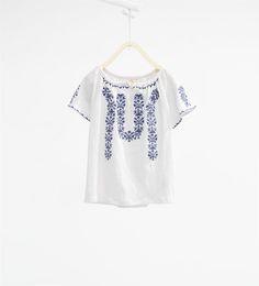 Image 1 de T-shirt brodé de Zara