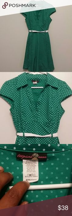 """Vintage Style Green Polka Dot Dress Size M. This so cute! Bust is 15"""" waist 16"""" length is 35"""" . Comes with detachable belt. Tropical Wear Dresses"""