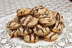 Kolieska s orechovým snehom - recept Slovak Recipes, Czech Recipes, Russian Recipes, Christmas Sweets, Christmas Baking, Healthy Diet Recipes, Cooking Recipes, Biscuit Cake, Holiday Cookies