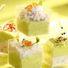 Appetizers for the Holidays - Delicious and easy to make! Crab and avocado mousse Shot Glass Appetizers, Finger Food Appetizers, Finger Foods, Unique Recipes, Great Recipes, Knafe Recipe, Salty Foods, Brunch, Food And Drink