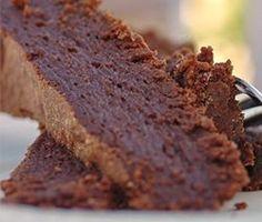 Découvrez le Fondant au chocolat mascarpone et sans beurre, Une recette facile, rapide et légère du grand chef pâtissier Cyril Lignac.