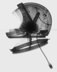 X-ray of a helmet that was developed for the Phase I Apollo program. Image: National Air and Space Museum, Smithsonian Institution, Mark Avino Nasa, Astronaut Helmet, Apollo Program, Air And Space Museum, Air Space, Ex Machina, To Infinity And Beyond, Space Travel, Space Exploration