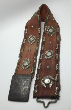 Very unusual, this belt is similar in structure as some of my Kurdish Iraqi belts. The belt is wool with silver mountings and a iron buckle with a beautifully… Fashion Belts, Women's Fashion, International Style, Kurdistan, Traditional Clothes, Silk Road, Syria, Persian, Hair Style