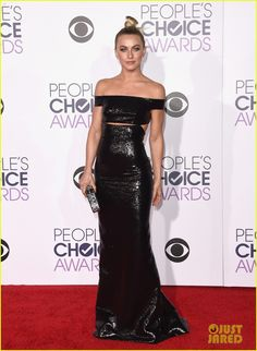 Vanessa Hudgens, Julianne Hough, & 'Grease Live' Cast Attend People's Choice Awards 2016: Photo #3544691. Vanessa Hudgens and Julianne Hough go glam for the 2016 People's Choice Awards held at the Microsoft Theater on Wednesday (January 6) in Los Angeles. The ladies…