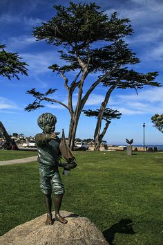 """""""Yesterday's Dream -- Tomorrow's Memory"""" Statue, Lovers Point Park, Pacific Grove, California"""