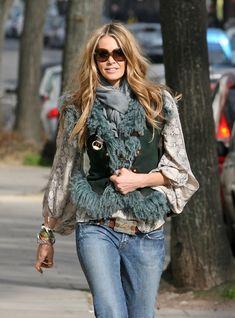 Elle Macpherson looks stylish as she strolls through Notting Hill in London.