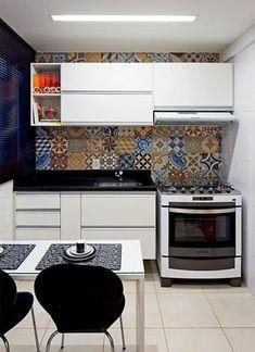 Cozinha Simples: 60 Dicas de Decoração Bonitas e Baratas! Kitchen Cupboard Doors, Kitchen Cabinets, Kitchen Appliances, Mini Kitchen, Kitchen Sets, Kitchen Hacks, New Kitchen, Kitchen Interior, Kitchen Design