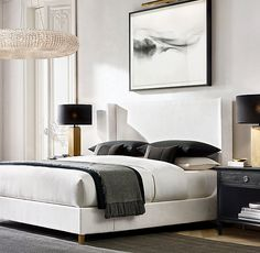 30 French Country Bedroom Design and Decor Ideas for a Unique and Relaxing Space - The Trending House White Bedroom Decor, Home Bedroom, Master Bedroom, Bedroom Ideas, Modern Bedroom Decor, Bedroom Black, Bedroom Designs, Kelly Hoppen Interiors, Contemporary Bedroom