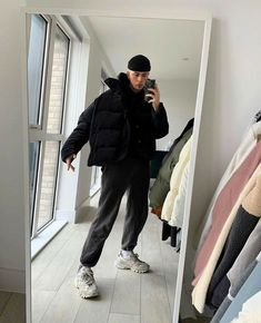 Winter Outfits Men, Stylish Mens Outfits, Vetement Fashion, Mode Outfits, Mens Clothing Styles, Streetwear Fashion, Boy Fashion, North Face Outfits, Snow Travel