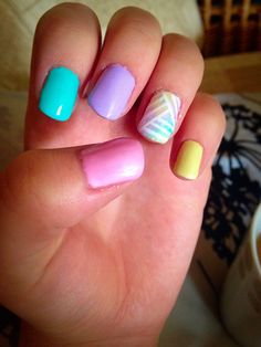 Pastel colours, sponge effect ring finger with white stripey overlay