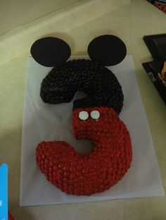 Mickey Mouse  Number 3 cake made with two bunt pans  http://enchantedmommy.com/awesome-3rd-birthday-cake/