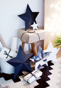 Chances are you've bought at least a few of your gifts online this year, So here's a DIY to help you cover them up! This DIY star decorations/ gift boxes Christmas Gift Wrapping, Christmas Tag, All Things Christmas, Christmas Crafts, Xmas, Creative Gift Wrapping, Creative Gifts, Wrapping Ideas, Star Decorations
