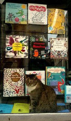 Le chat de l'Orange Bleue Cet été c'est ludique, c'est graphique et c'est boooo à la librairie...