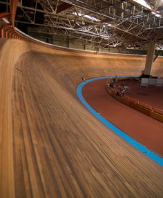 onetrackmindcycling:    smooth  The thought of the amount of time and effort a craftsman has to put into building and then maintaining a track like this is incredible.
