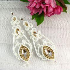 Bianchi e dorati soutache orecchini penzolare lungo da sposa Orecchini da sposa gioielli con zirconi e cristalli Swarovski