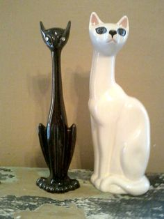 2 Vintage Cat Statues Figures Black & White by GiddyupRescue Cat Statue, Vintage Cat, Blue Eyes, Statues, Funny Cats, Victoria, Japan, Ceramics, Black And White