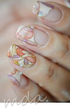 If you check out the net today you will find several spring nail designs that can rock any type of party events. At present, printed and colored nails are a must –do trends. There are several nail art ideas that you can do on your own. Fancy Nails, Diy Nails, Cute Nails, Pretty Nails, Gold Nails, Nail Nail, Nail Designs Spring, Cute Nail Designs, Fabulous Nails