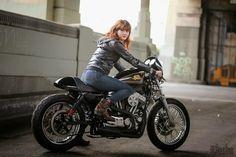 Girls and Bikes [pics] - Page 1546 - ADVrider Girl Riding Motorcycle, Motorbike Girl, Motorcycle Design, Cafe Bike, Cafe Racer Bikes, Lady Biker, Biker Girl, Harley Davidson Glide, Cafe Racer Girl