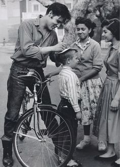 Elvis was very patient when it came to signing autographs.... he always made the fans feel welcomed and liked.