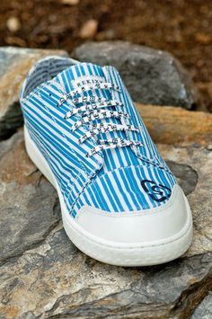 ReKixx - BLUE WASH STRIPE - Sneakers with a Purpose